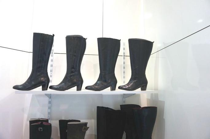 sch ne stiefel f r breite waden schuhtrends aus berlin. Black Bedroom Furniture Sets. Home Design Ideas